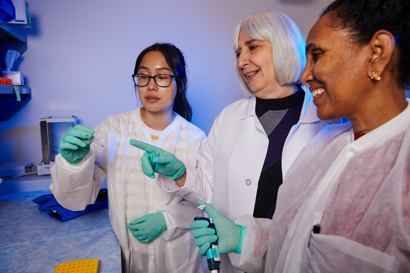 Ellen Sidransky with her lab members.