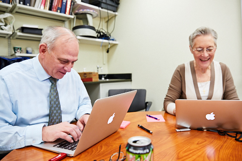 Drs. William Gahl and Cynthia Tifft answer questions about the Undiagnosed Diseases Network (UDN) for a Reddit AMA on March 3, 2017. Credit: Ernesto Del Aguila III, NHGRI.